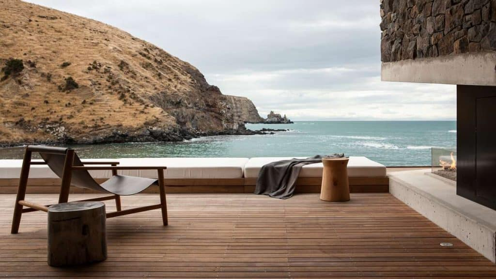 Nyt naturen rundt Annandale Luxury Lodge i Pigeon Bay på New Zealand.