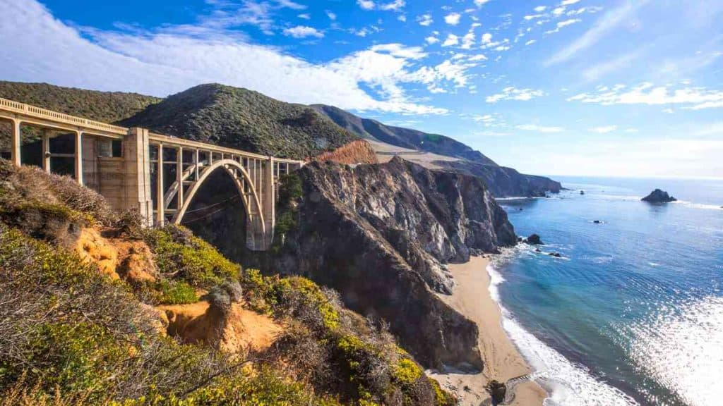 Bixby Bridge og Pacific Coast Highway.