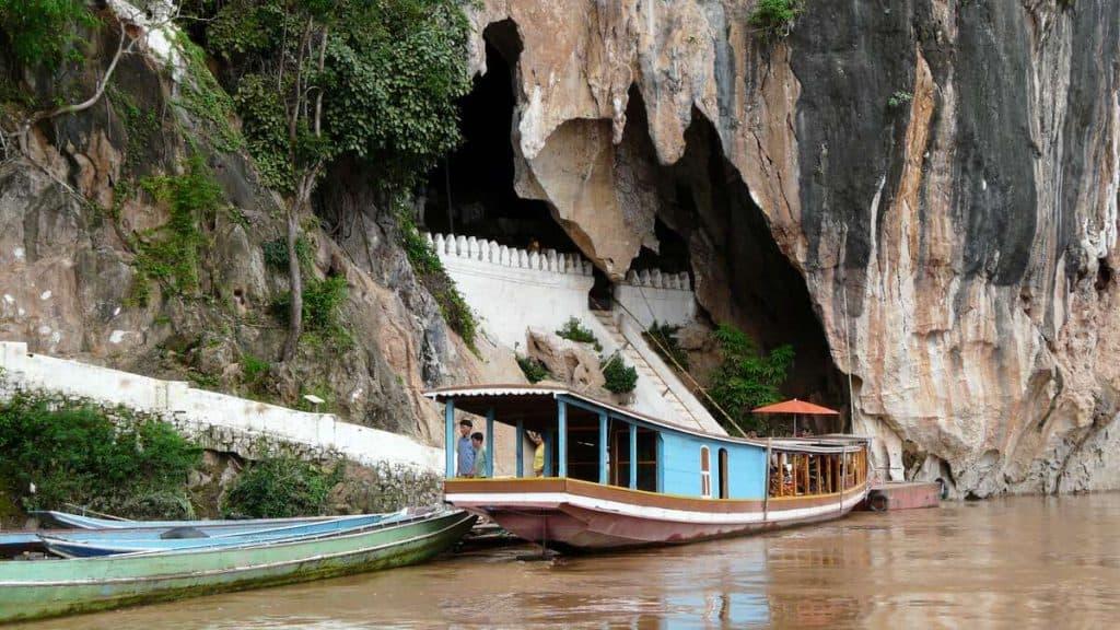 Tradisjonell longtail boat.